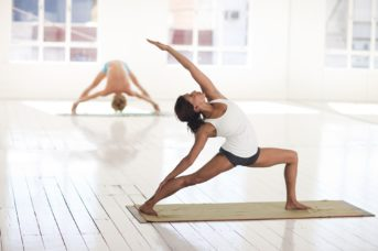 Pourquoi le yoga et les arts martiaux vont-ils si bien ensemble?